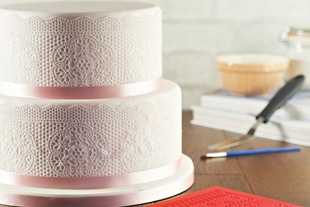 How to Make Edible Cake Lace