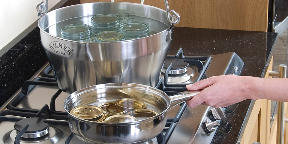 How to sterilize jars and lids